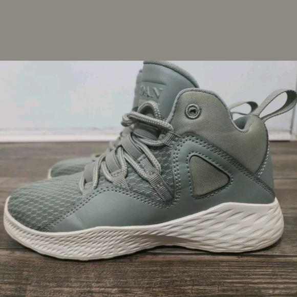 promo code e9845 01ebf Nike Air Jordan Olive Kids Sneaker